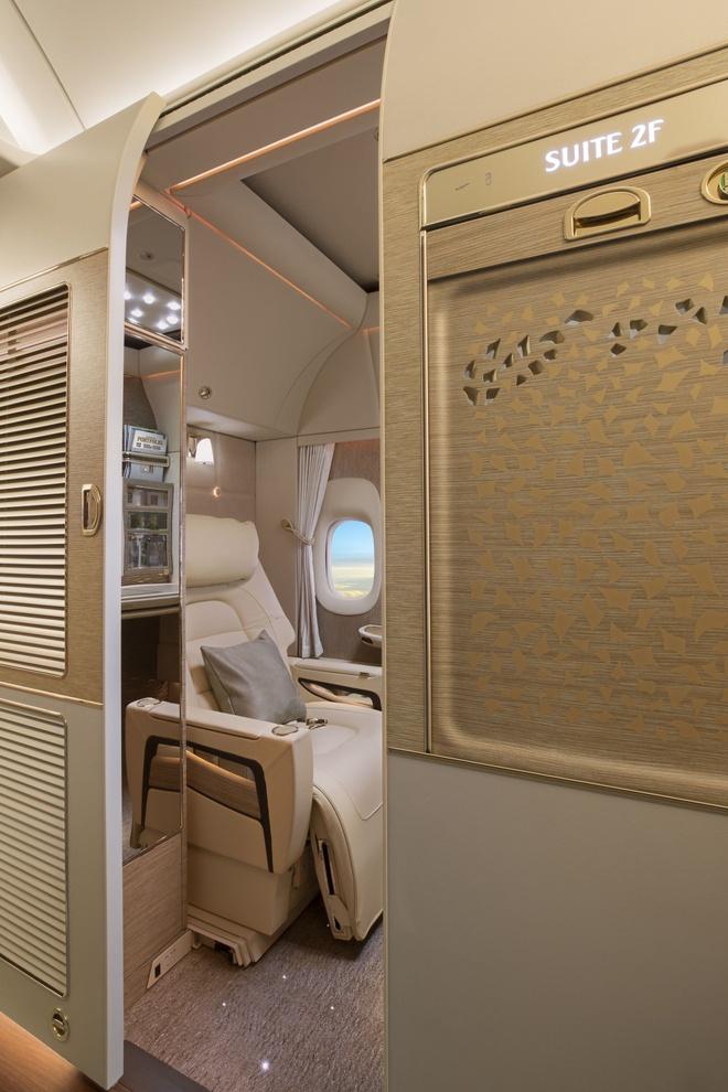Khoang hang nhat hang bay Emirates phong cach Mercedes S-Class hinh anh 3