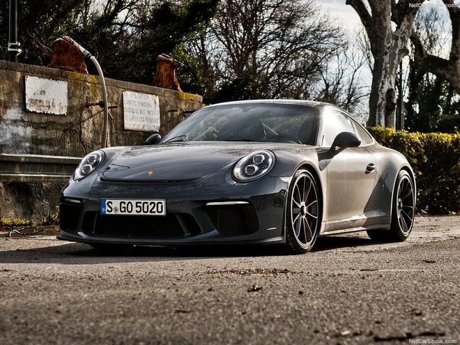 Porsche 911 GT3 them goi nang cap Touring Package hinh anh