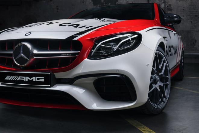Mercedes-AMG E63 S 4MATIC+ phien ban xe dan duong hinh anh 6