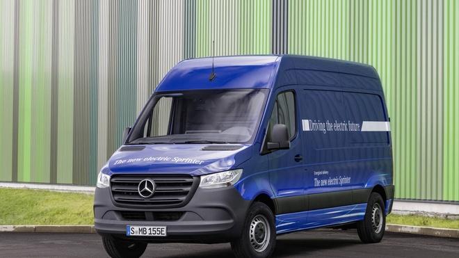 Mercedes Sprinter sap co them phien ban chay dien hinh anh 8
