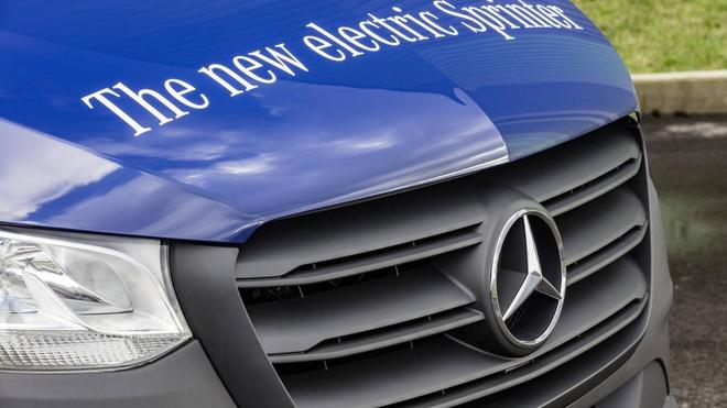 Mercedes Sprinter sap co them phien ban chay dien hinh anh 4