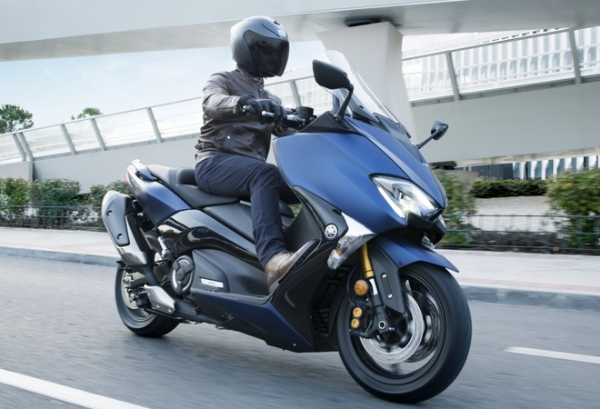 Yamaha TMax ra mat phien ban SX va DX tai chau Au hinh anh 3
