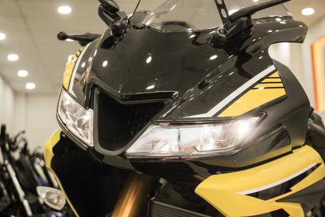 Yamaha YZF-R15 V3 2018 mau vang racing ve Viet Nam anh 6