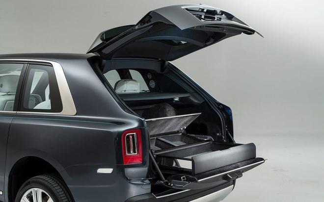 Rolls-Royce Cullinan: Doi thu dang gom cua Bentley Bentayga hinh anh 4