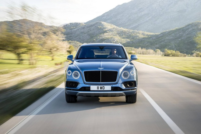 Rolls-Royce Cullinan: Doi thu dang gom cua Bentley Bentayga hinh anh 2