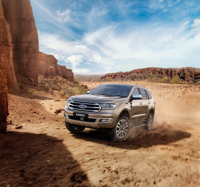 Ford Everest co them phien ban dong co moi anh 2