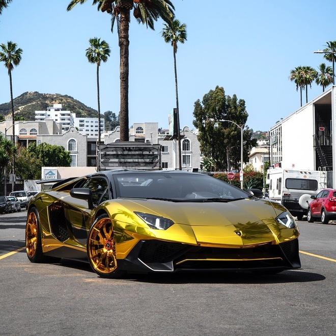 Sieu xe Lamborghini anh vang cua ca si Chris Brown anh 5