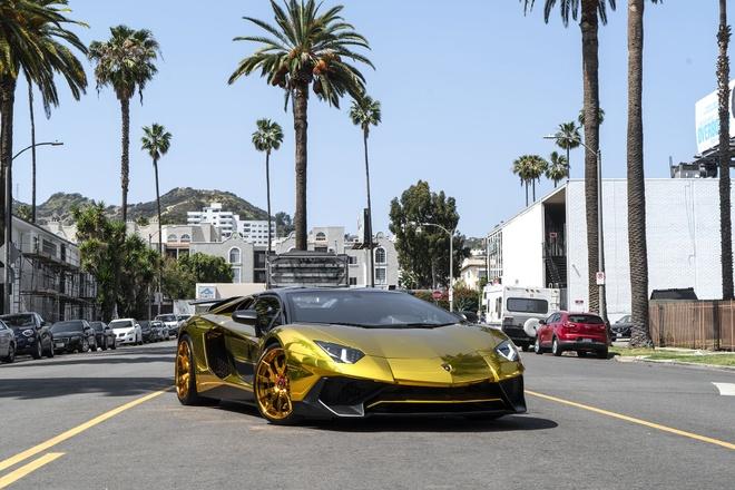 Sieu xe Lamborghini anh vang cua ca si Chris Brown anh 1
