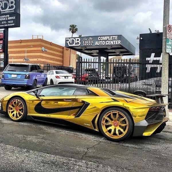 Sieu xe Lamborghini anh vang cua ca si Chris Brown anh 3