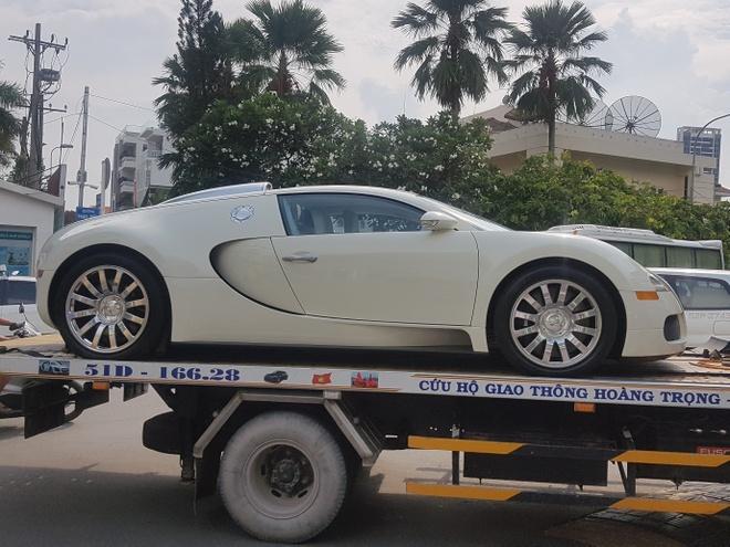 Bugatti Veyron doc nhat Viet Nam xuat hien tren pho hinh anh