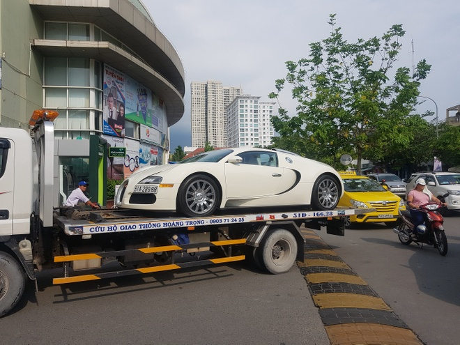 Bugatti Veyron doc nhat Viet Nam duoc dua di dang kiem hinh anh