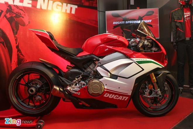 Ducati V4 Sport chinh hang gia hon 900 trieu dong tai VN hinh anh