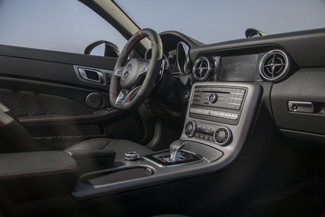 Mercedes-AMG SLC 43 2019 nang cap suc manh hinh anh 4