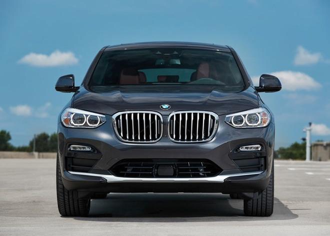 BMW X4 2019 gia tu 51.000 USD, doi dau Mercedes GLC coupe hinh anh 3