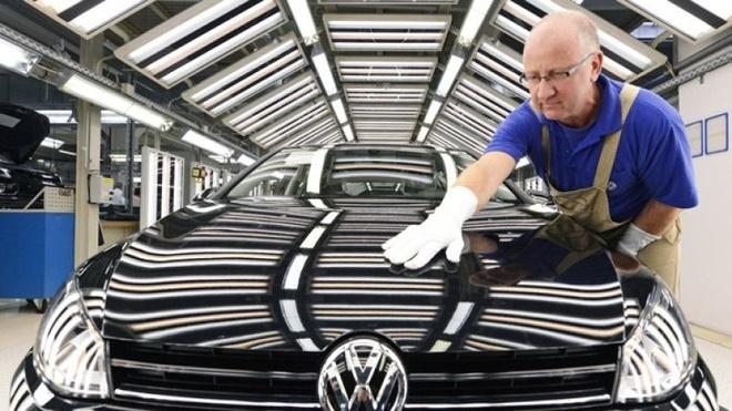Volkswagen bi cao buoc phan biet doi xu voi nhan vien anh 1