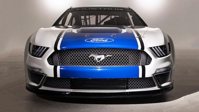 Chiem nguong mau xe dua Ford Mustang NASCAR hinh anh