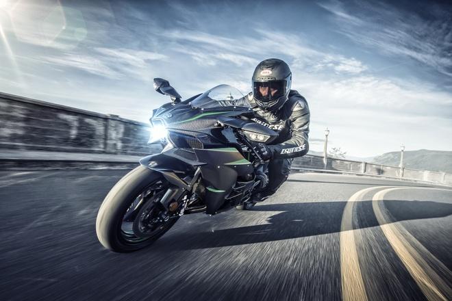 Kawasaki Ninja H2 2019 manh 231 ma luc, soan ngoi Ducati Panigale V4 hinh anh
