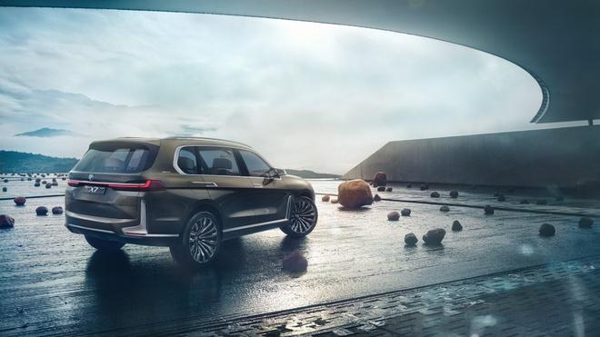 BMW X7 M Performance sap lo dien, manh 600 ma luc hinh anh 2