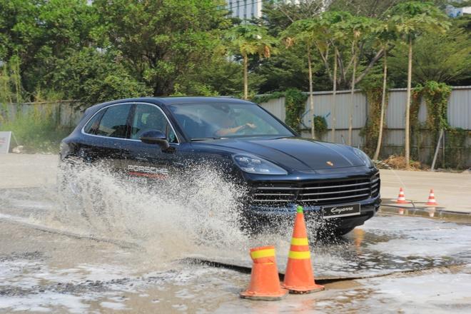 Porsche Cayenne off-road anh 7