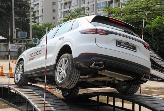 Porsche Cayenne off-road anh 4