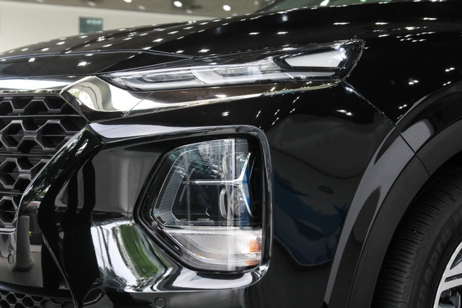 Hyundai SantaFe dau tien ve dai ly tai TP.HCM, cat nhieu trang bi hinh anh 3