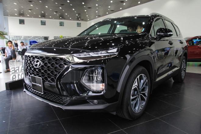 Hyundai SantaFe dau tien ve dai ly tai TP.HCM, cat nhieu trang bi hinh anh