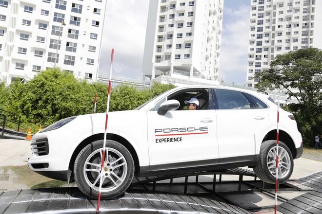 Porsche Cayenne off-road anh 1
