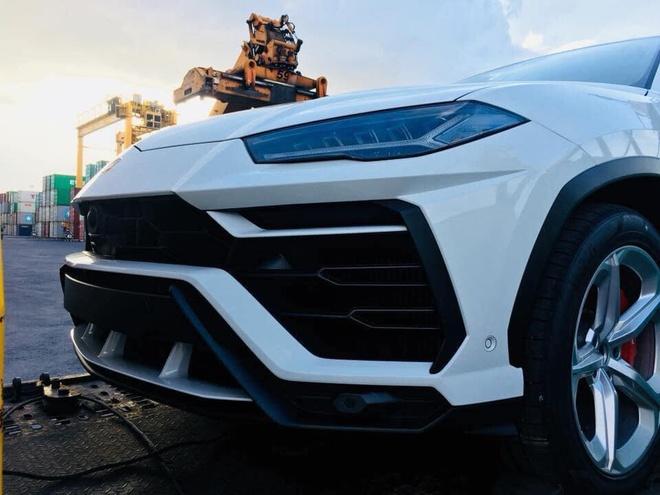 Bo doi 'sieu bo' Lamborghini Urus cap ben Viet Nam hinh anh 3