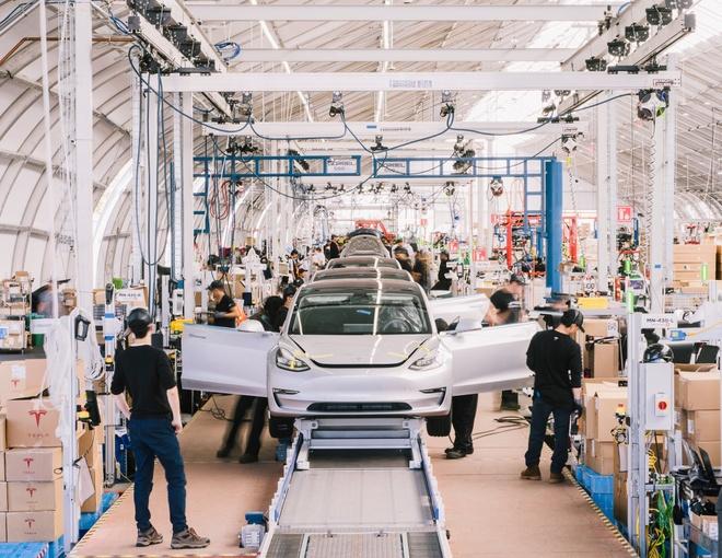Tesla Model 3 duoc tro gia 3.000 USD anh 1