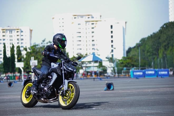 Yamaha MT-09 chinh hang ve Viet Nam, gia 299 trieu dong hinh anh 8