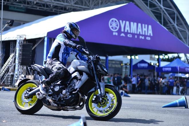 Yamaha MT-09 chinh hang ve Viet Nam, gia 299 trieu dong hinh anh 2