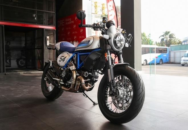 Ducati Scrambler Cafe Racer 2019 chinh hang ve VN, gia hon 400 trieu hinh anh 2