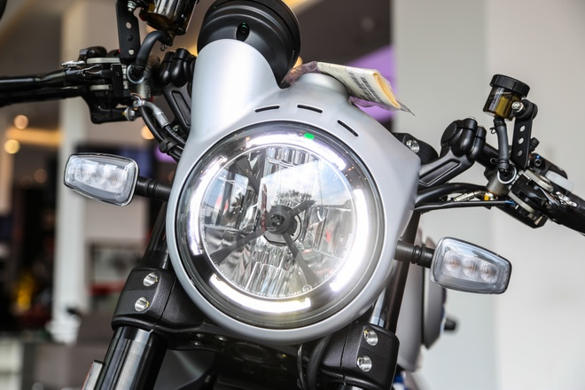 Ducati Scrambler Cafe Racer 2019 chinh hang ve VN, gia hon 400 trieu hinh anh 4