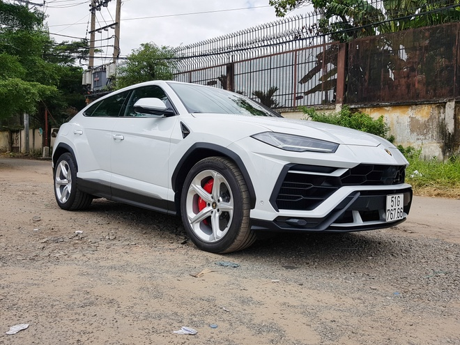 Lamborghini Urus cua dai gia Minh nhua ra bien so hinh anh