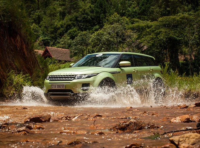 Range Rover Evoque giam gia anh 2