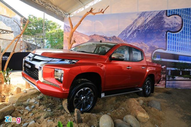 Mitsubishi Triton 2019 ve VN thieu trang bi so voi ban Thai Lan hinh anh