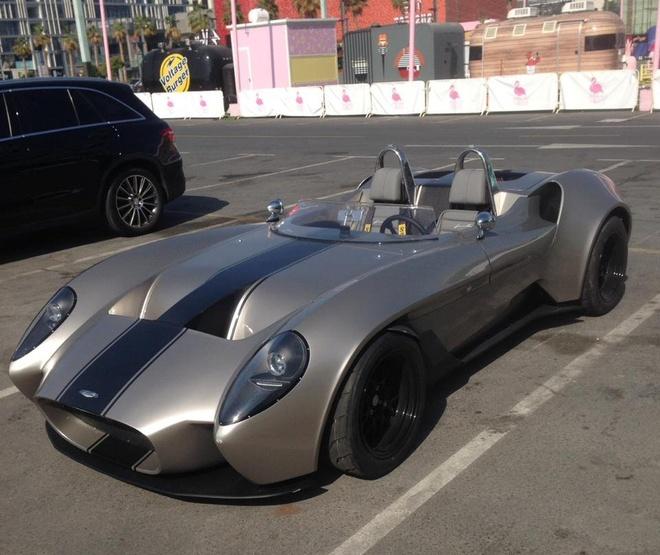 Xe mui tran hang hiem tai hien Ferrari Testarossa 1957 hinh anh
