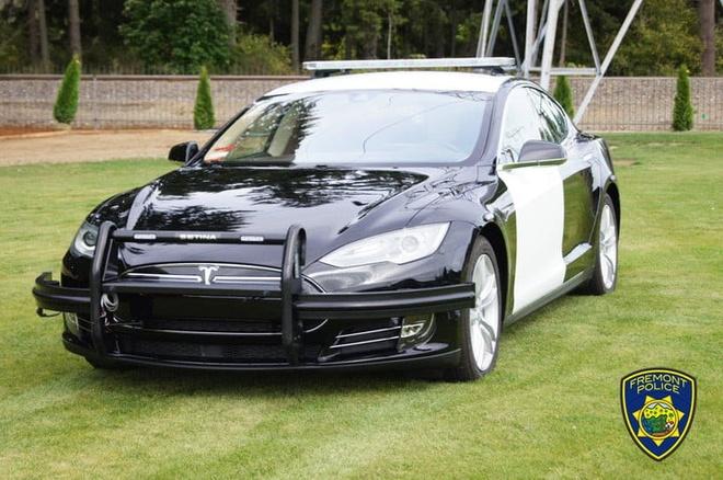 Canh sat California su dung Tesla Model S de tuan tra hinh anh 1