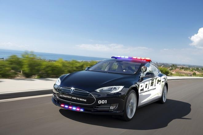Canh sat California su dung Tesla Model S de tuan tra hinh anh 2
