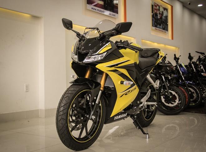 Nen mua Yamaha YZF-R15 chinh hang hay nhap khau tu nhan? hinh anh