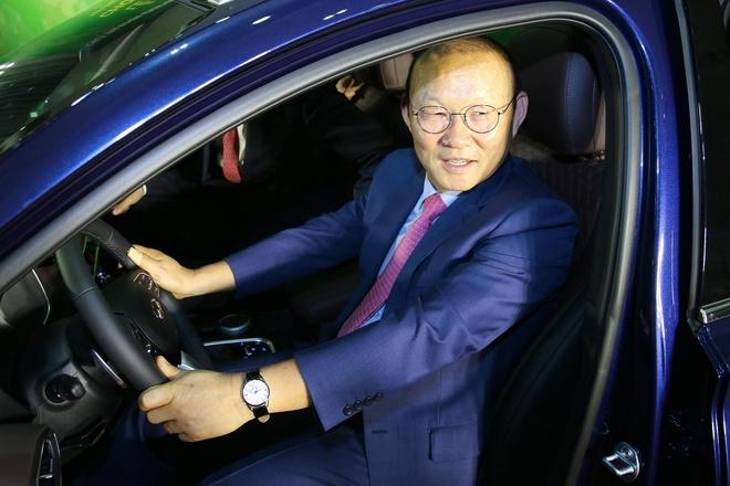 HLV Park Hang-seo duoc tang Hyundai Santa Fe gia 1,2 ty dong hinh anh 1