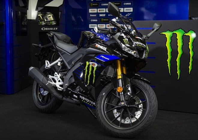 Yamaha YZF-R15 co them phien ban Monster Energy MotoGP 2019 hinh anh 1