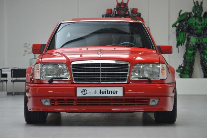 Mercedes E60 AMG 500E hon 20 tuoi hang hiem, gia gan 170.000 USD hinh anh 3