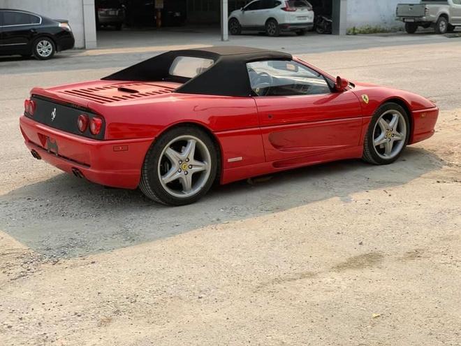 Ferrari F355 Spider doc nhat Viet Nam xuong pho anh 3