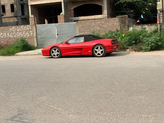Ferrari F355 Spider doc nhat Viet Nam xuong pho anh 6