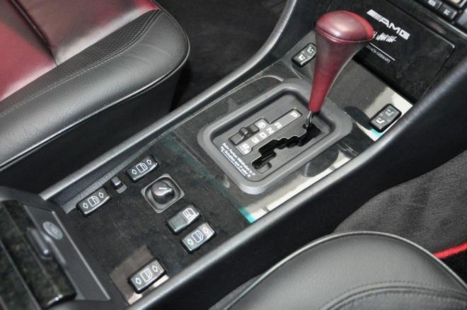 Mercedes E60 AMG 500E hon 20 tuoi hang hiem, gia gan 170.000 USD hinh anh 8