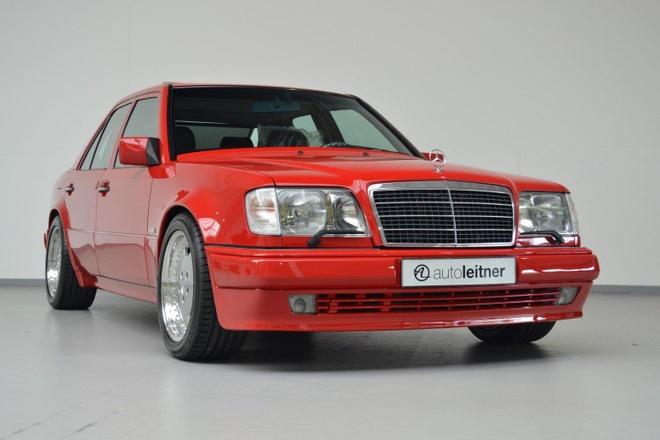 Mercedes E60 AMG 500E hon 20 tuoi hang hiem, gia gan 170.000 USD hinh anh 1