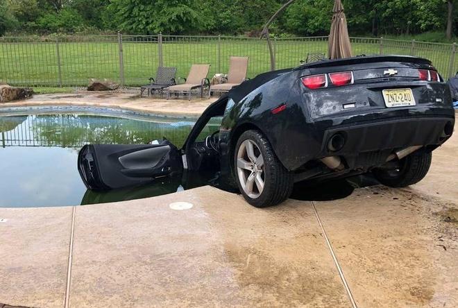 Tai nan hy huu: Chevrolet Camaro lao xuong be boi anh 1