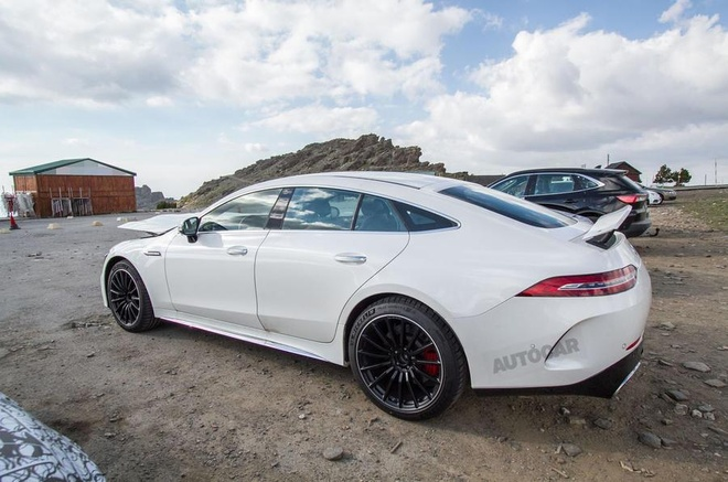 Lo dien Mercedes-AMG GT 73 4MATIC anh 6