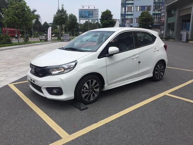 Honda Brio ồ ạt cập bến đại lý trước ngày ra mắt